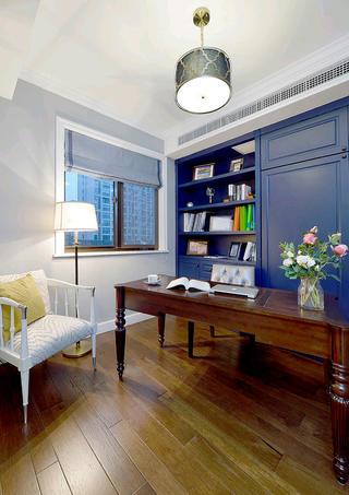 美式三居装修书房布置图
