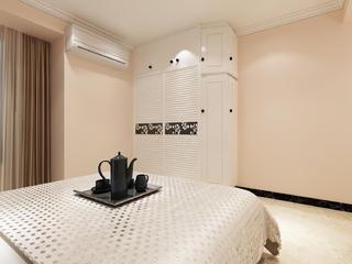 130㎡美式风格家衣柜图片