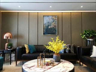 现代简约四居装修沙发背景墙图片