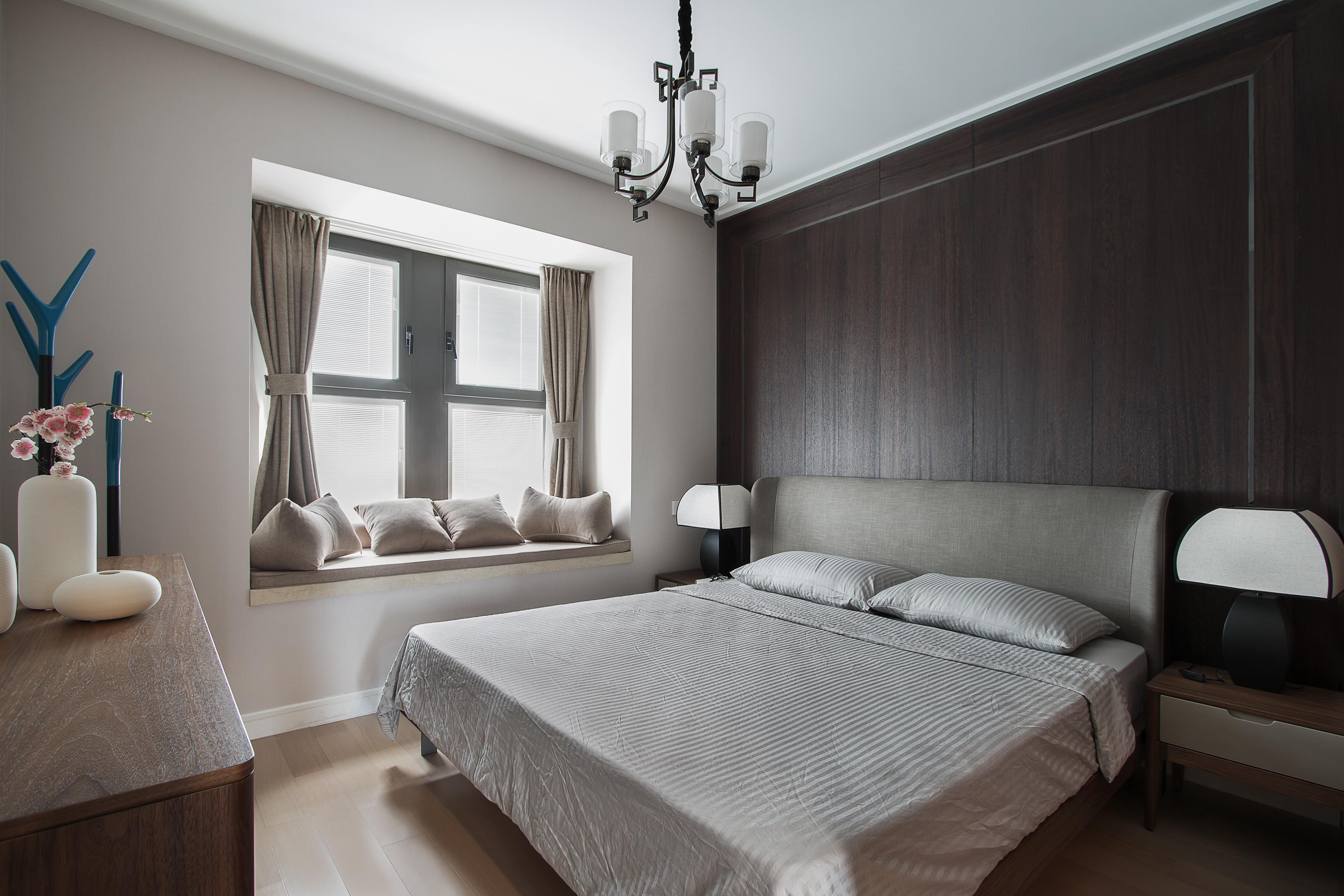 107平新中式三居装修主卧效果图
