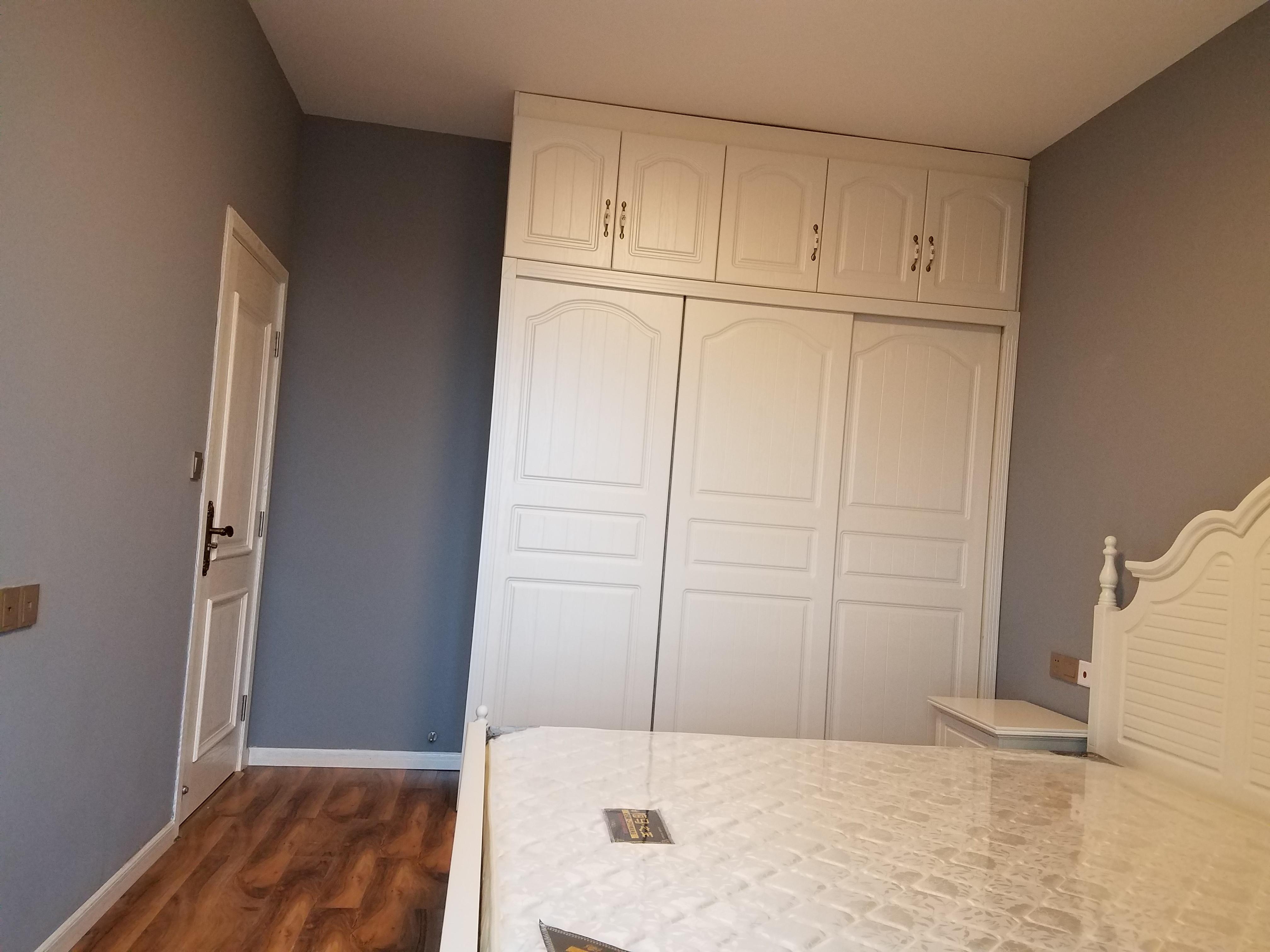 美式二居装修衣柜图片