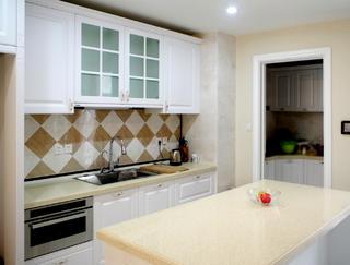 美式三居室装修厨房实景图
