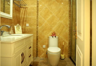 美式三居室装修卫生间图片