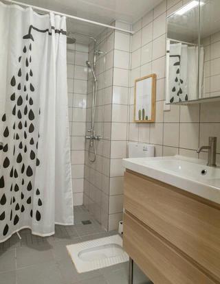 北欧简雅三居装修卫生间实景图