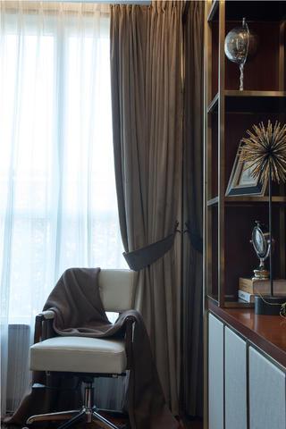 现代三居装修窗帘图片