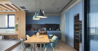 现代简约三居装修餐桌图片