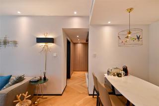 70平一居室小家走廊图片