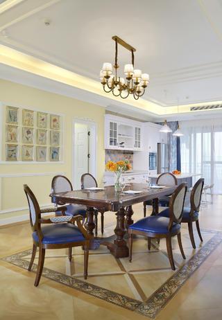大户型轻奢美式装修餐桌椅图片