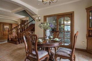 美式乡村别墅装修餐桌椅图片