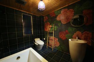 157平东南亚风格装修卫生间设计图
