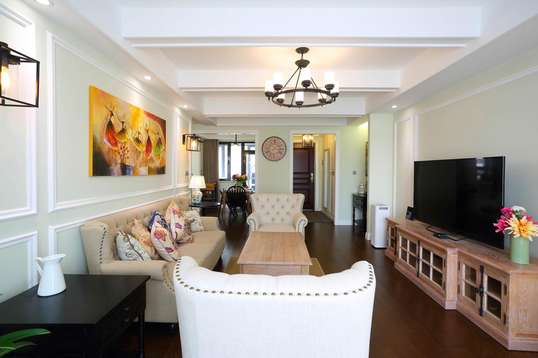 135平三居室装修客厅效果图