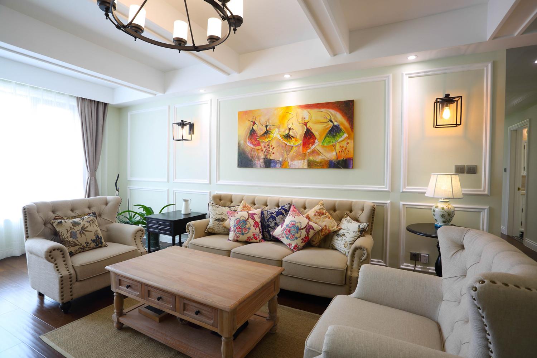 135平三居室装修沙发背景墙图片