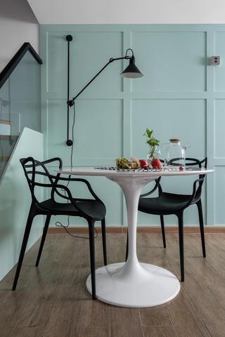 北欧复式装修餐桌椅图片
