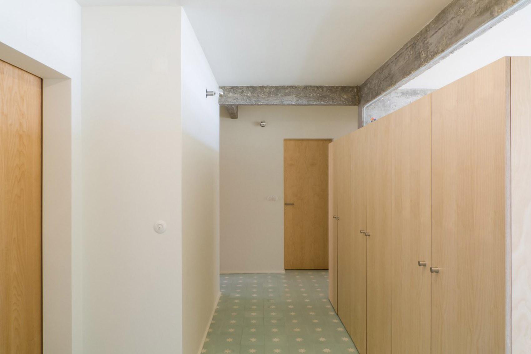 公寓简约装修走道图片