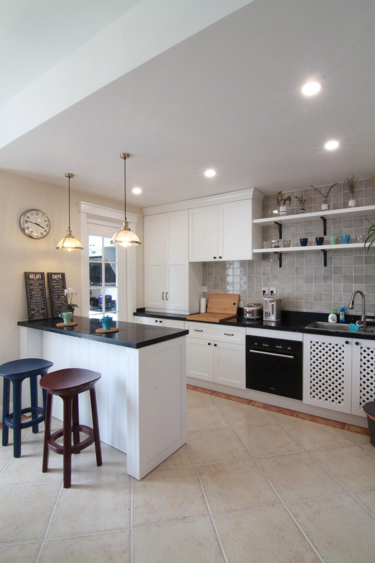 155平简美之家装修厨房效果图