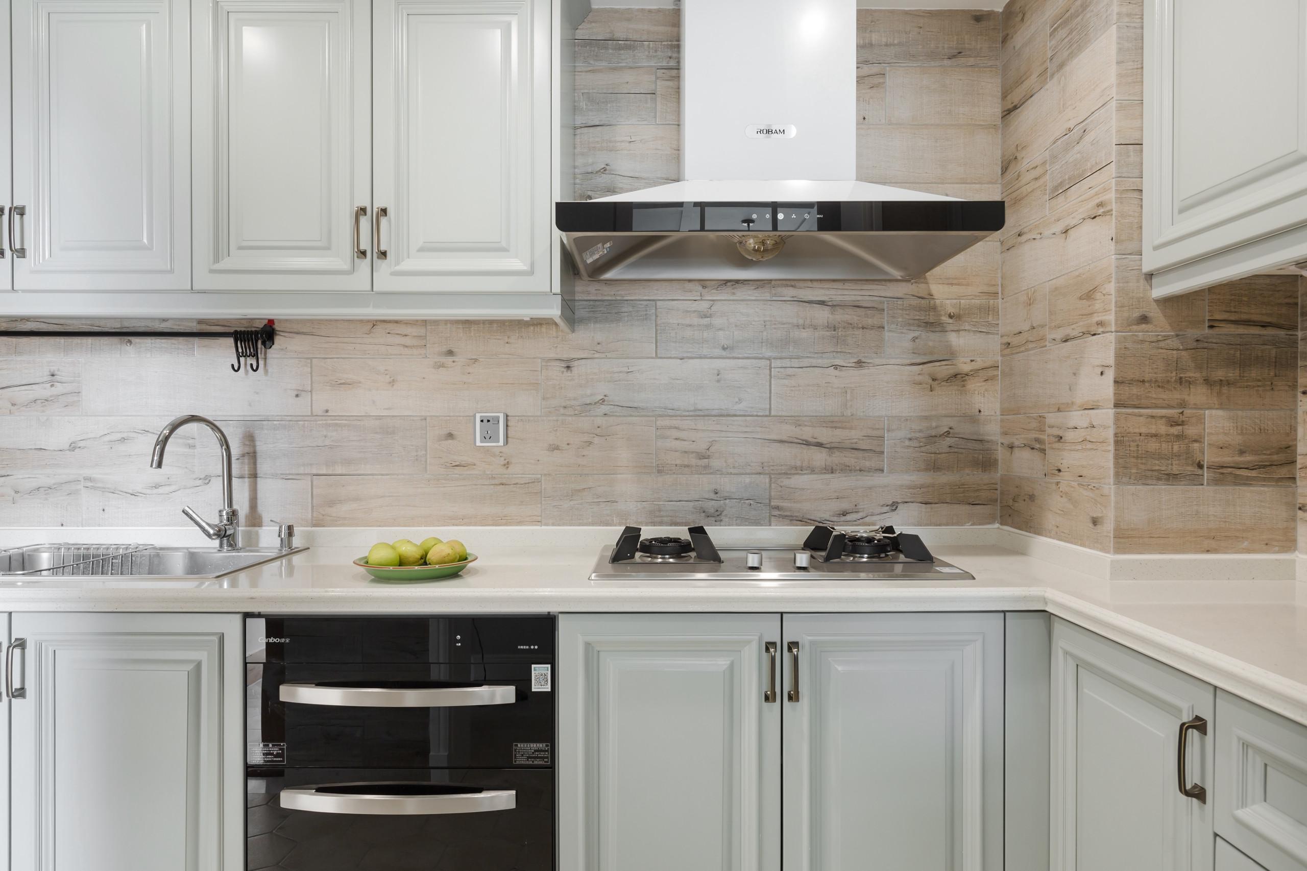 轻奢美式三居装修厨房装潢图