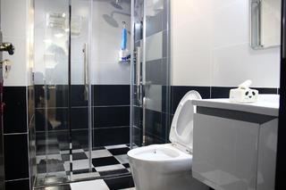 70平简约趣味家装修卫生间设计图