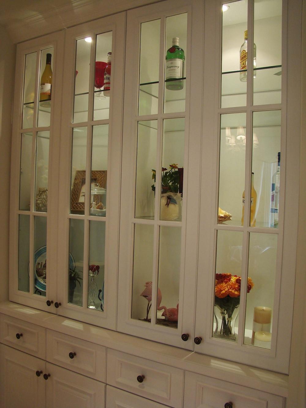 优雅温馨美室三居装修酒柜图片