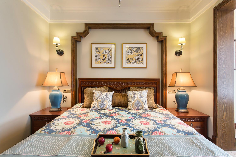 大户型混搭之家床头背景墙设计