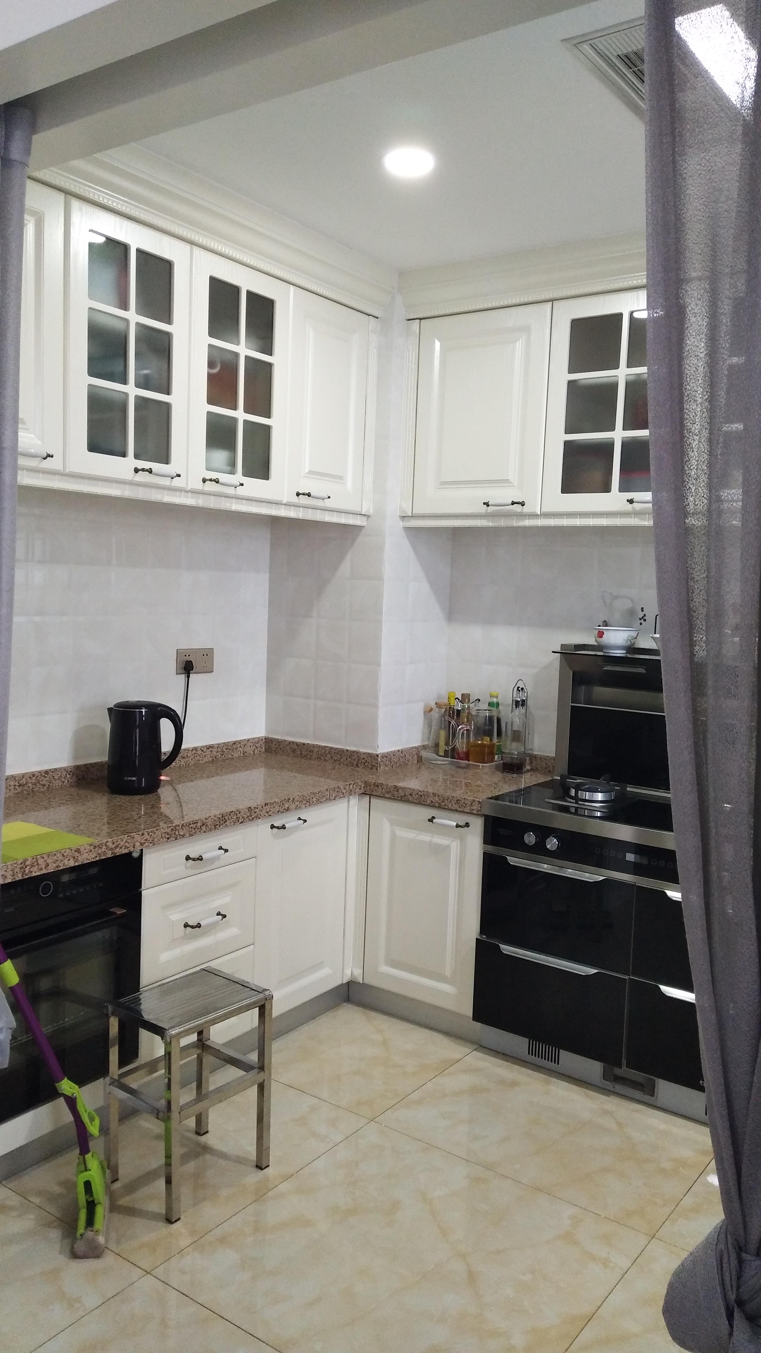 简约三居室装修厨房实景图