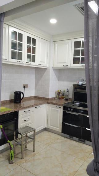 簡約三居室裝修廚房實景圖