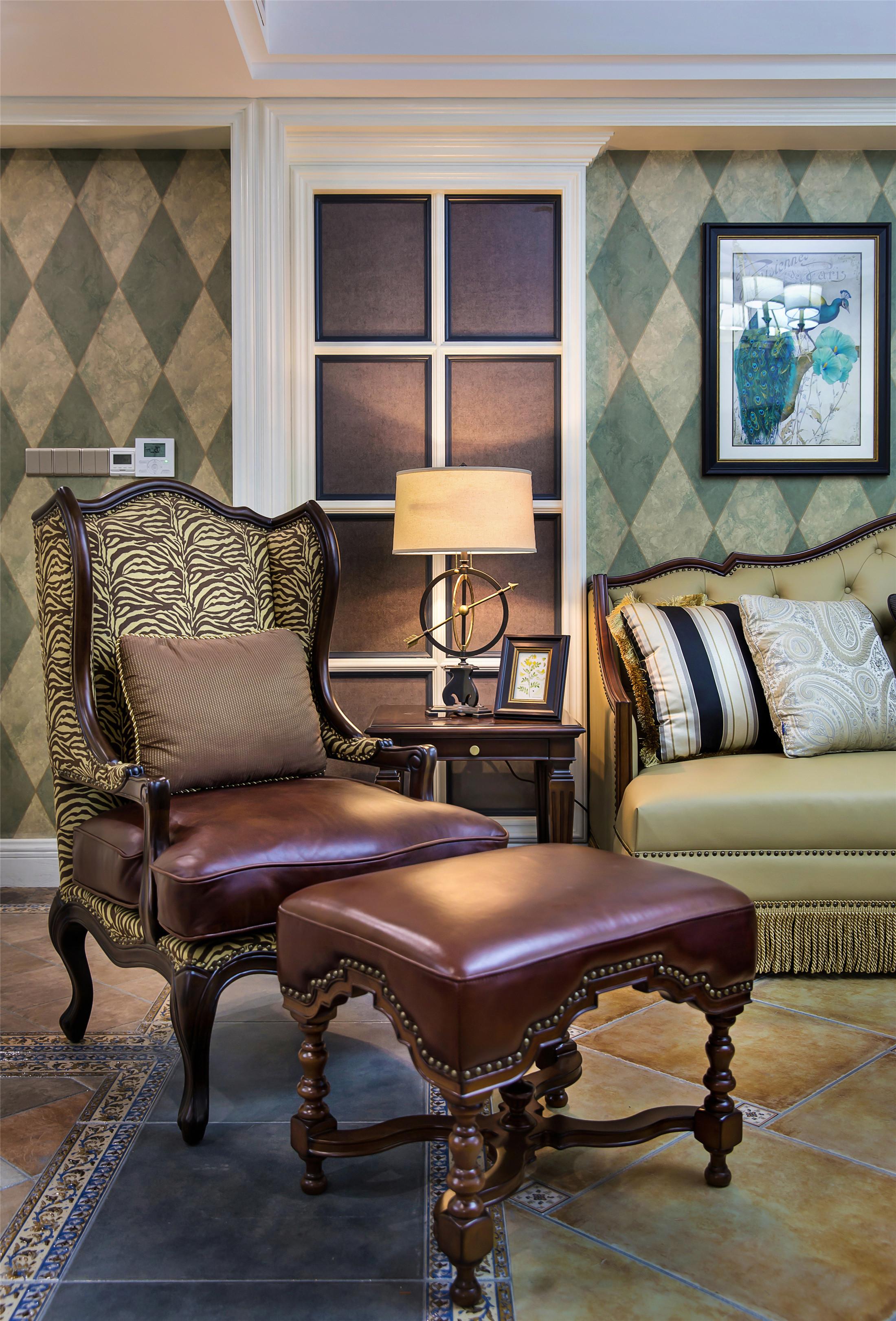 美式四居装修单人沙发图片