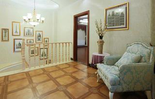 法式复式装修楼梯吊灯图片