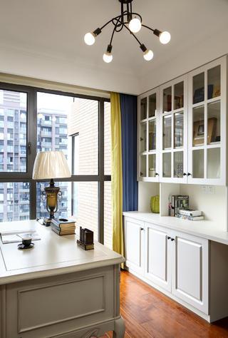 140平美式风格装修书房设计图