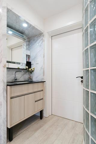 56平小户型装修浴室柜图片