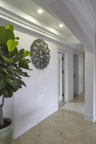 美式四居室装修门厅布置图