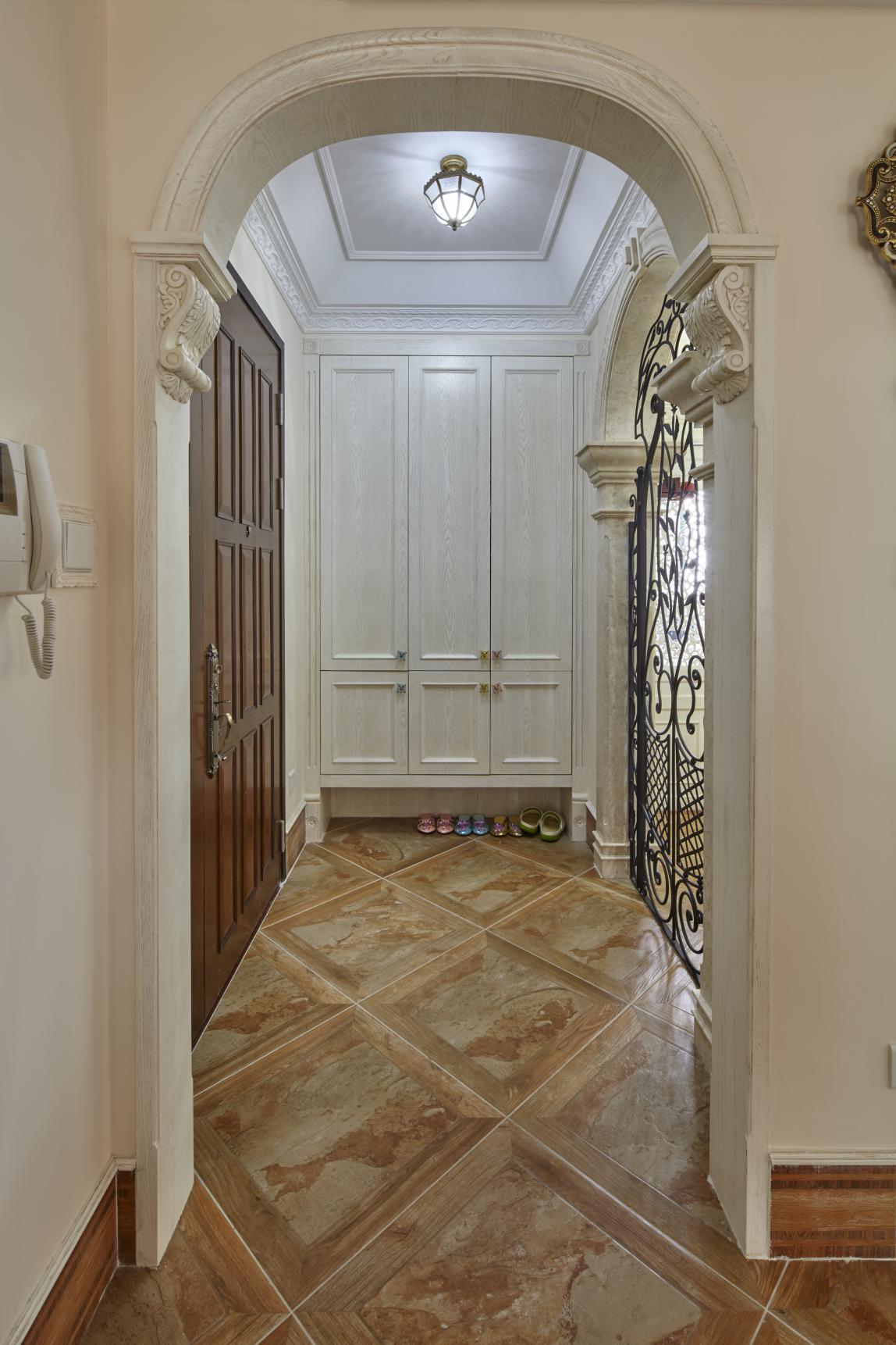 欧式四居室装修玄关柜图片