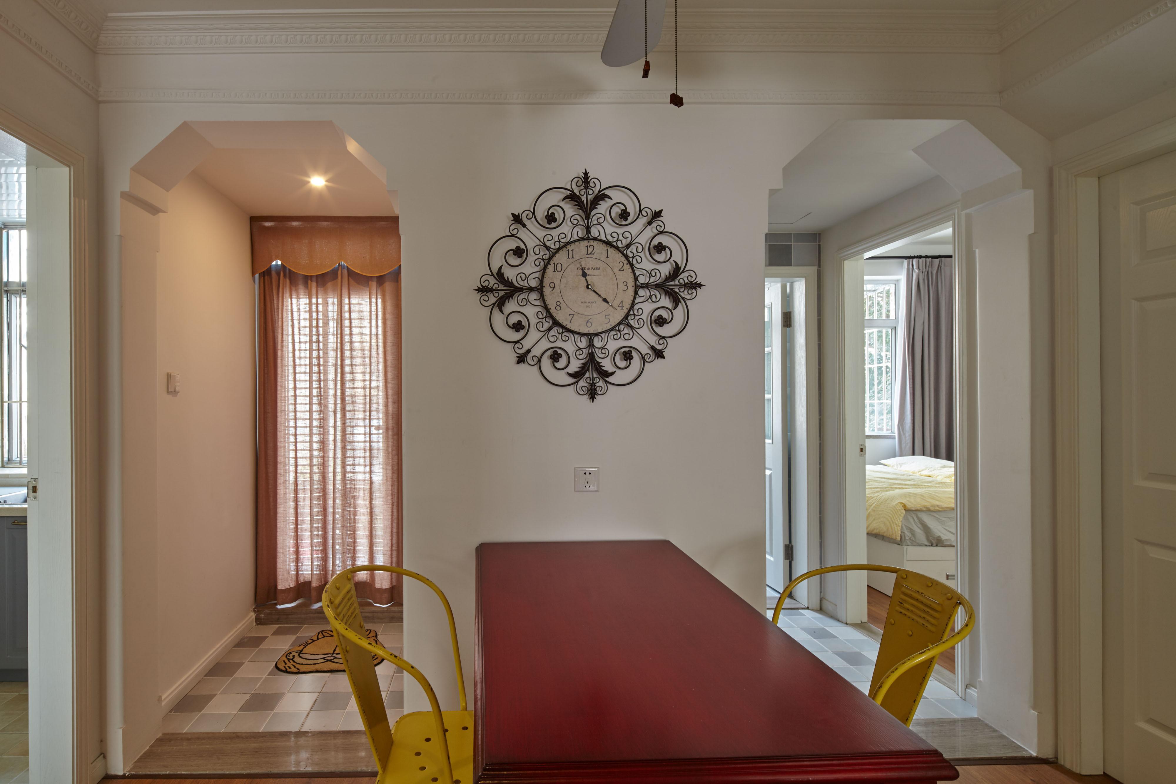70平混搭装修餐厅背景墙图片