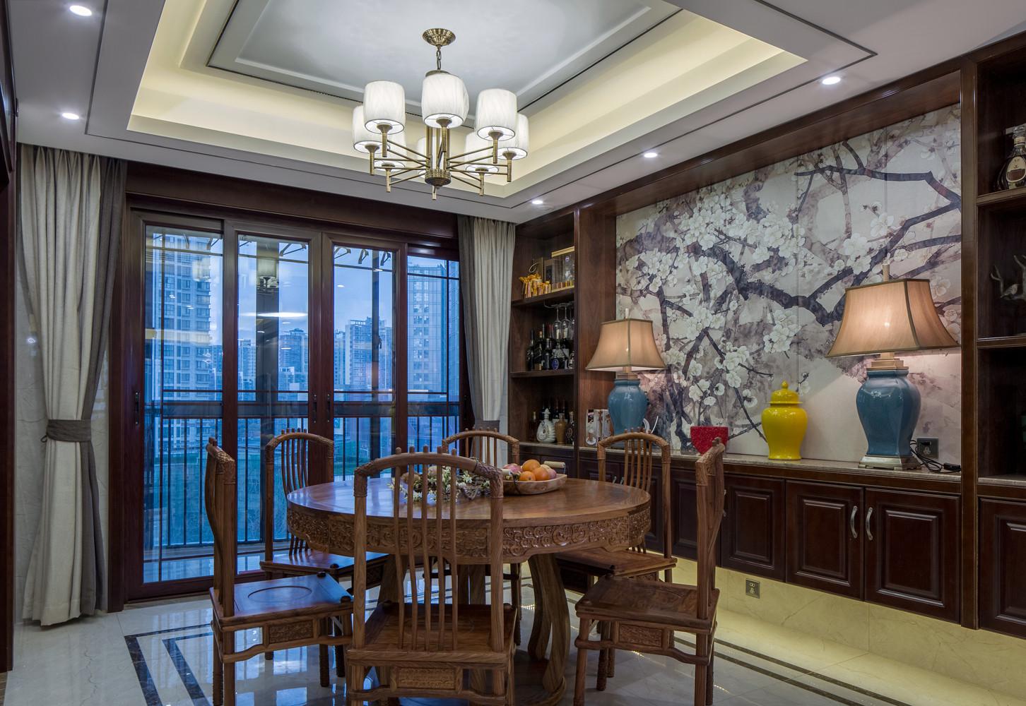 245㎡中式装修餐厅吊顶图片