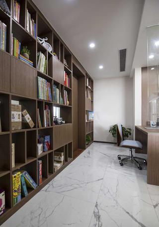 现代简约四房装修书柜图片