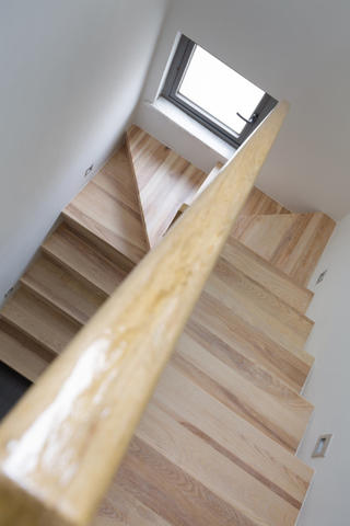 现代简约复式装修楼梯图片