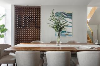 现代简约复式装修餐桌图片