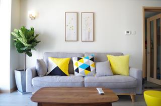 70平北欧二居装修沙发图片