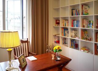 美式三居室装修书房布置图