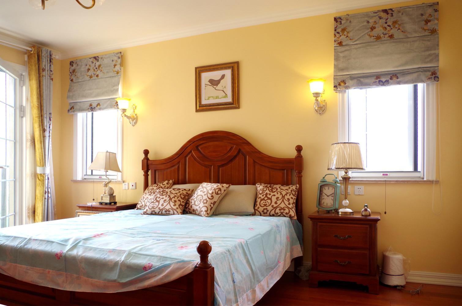 美式三居室装修主卧设计图