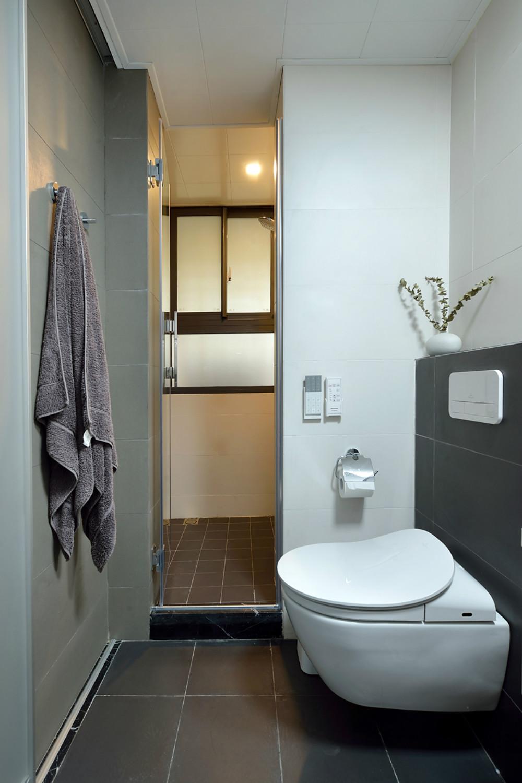 简约三居空间设计卫生间装潢图