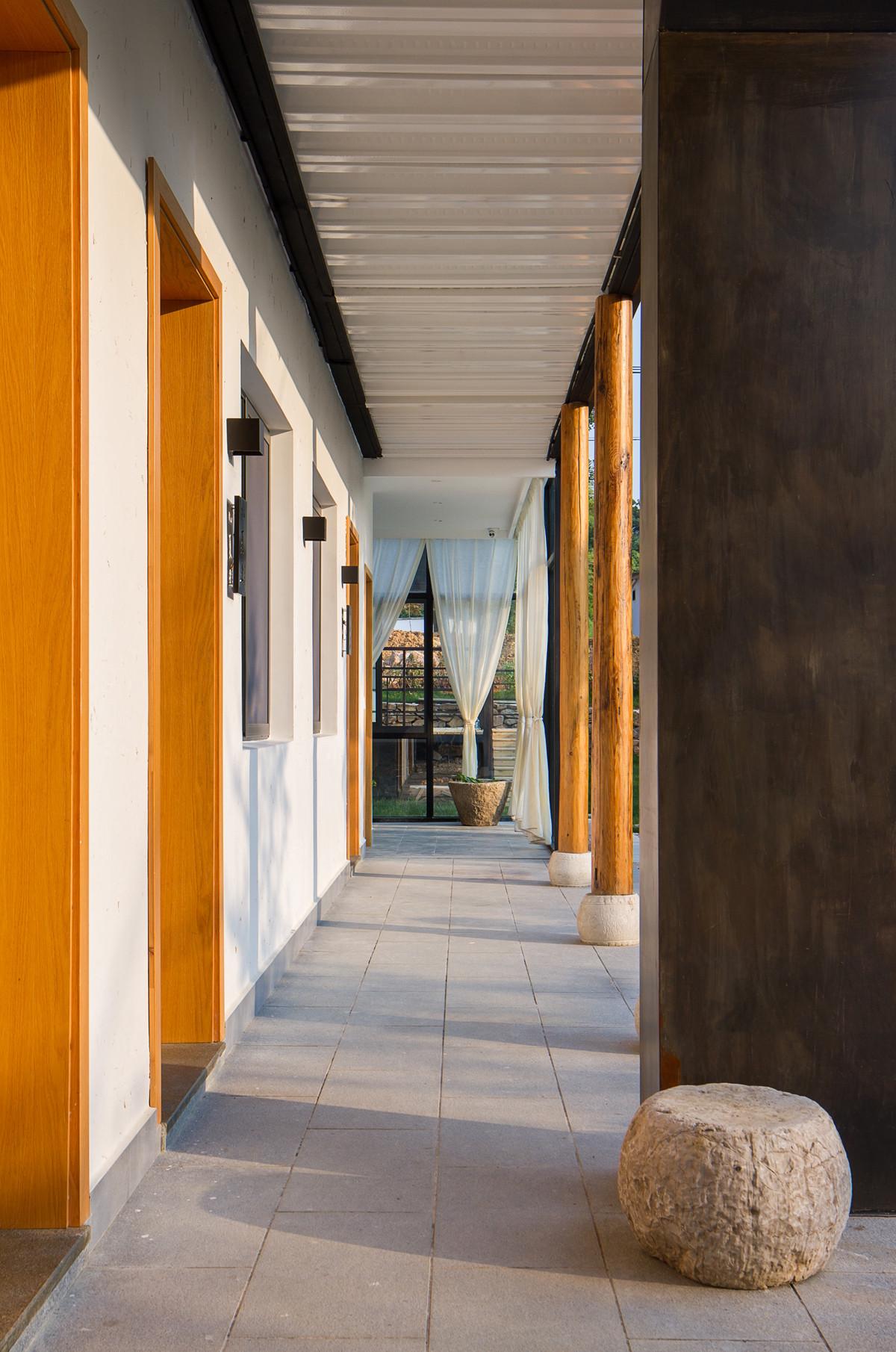 复古民宿装修走廊图片