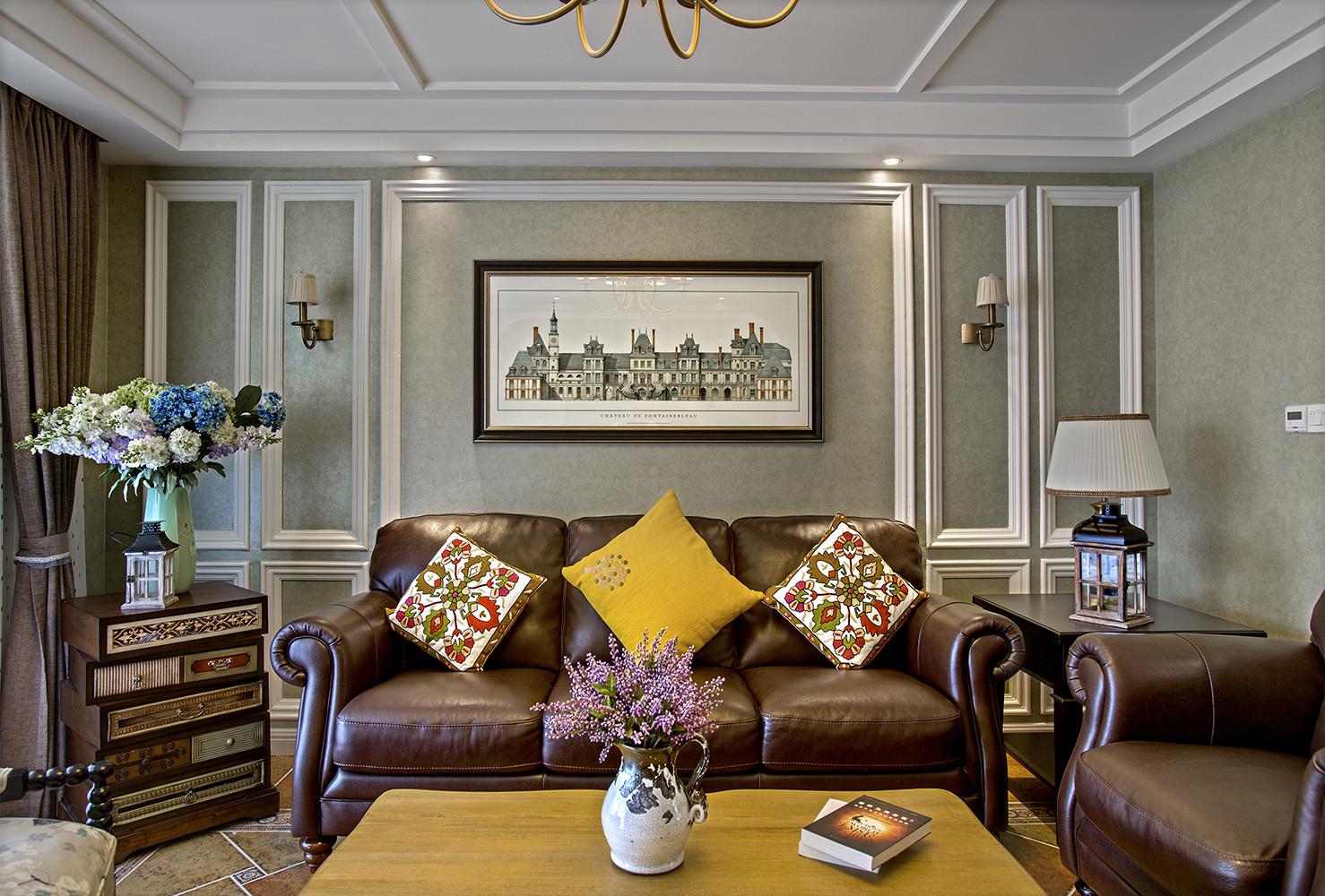 美式三居装修沙发背景墙