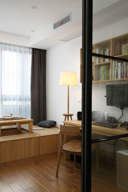 140平日式装修书房效果图