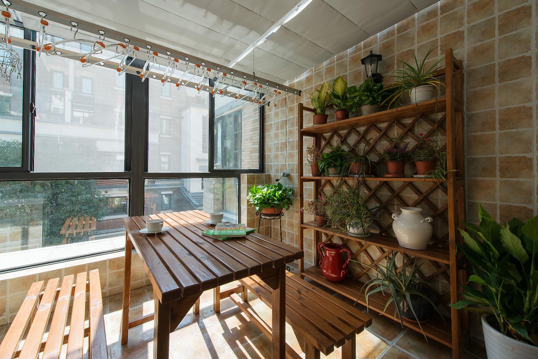 美式复式装修阳台欣赏图