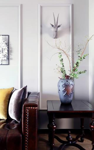 130平美式装修花瓶装饰
