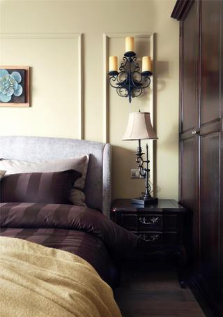 130平美式装修床头一角