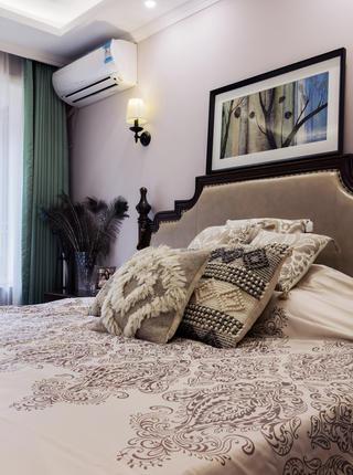 二居室美式风情家卧室布置图