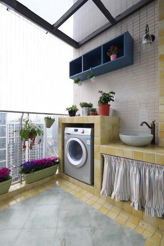 110㎡二居室装修阳台布置图