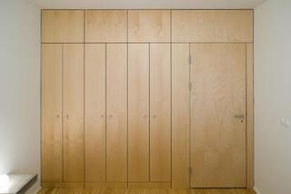 公寓简约装修衣柜图片