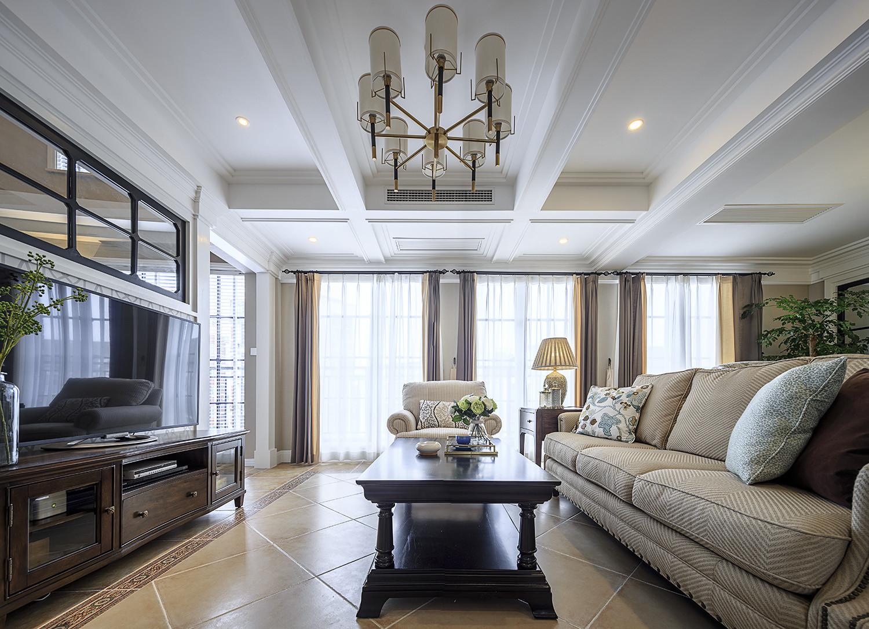 大户型美式风格家客厅吊顶设计